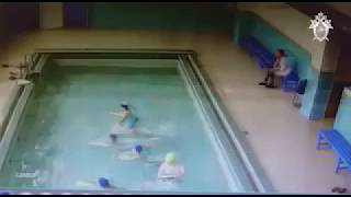 В Ленобласти на детей в бассейне рухнул потолок