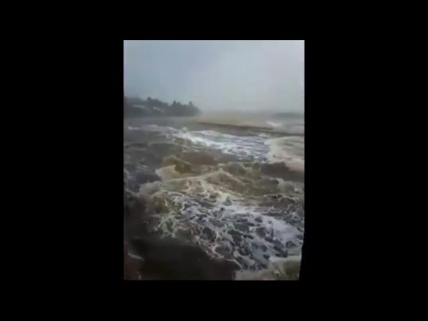 WATCH: Heavy rains and flooded roads in Richards Bay