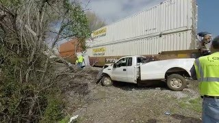 Pickup Truck vs Train - Athens, Alabama - CSX