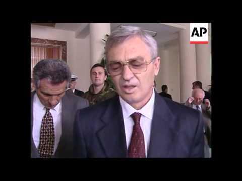 ALBANIA: KOSOVO CRISIS: ARRIVAL OF ITALIAN TROOPS