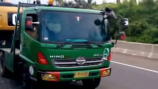 angkutan alat berat# truk bermuatan alat berat