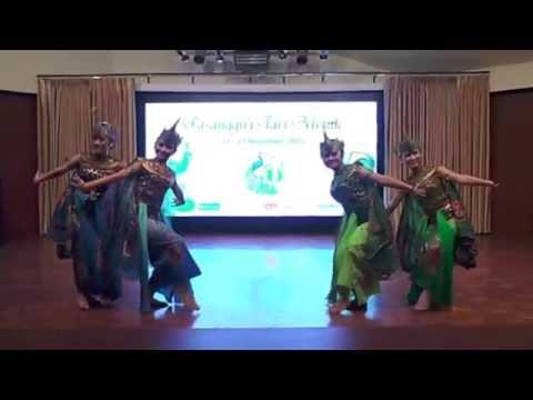 Tari Merak Sanggar Pusbitari (Juara Umum Festival Tari Merak se-Jabar)