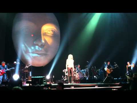 """Shakira Live Concert: Sale el Sol Tour - Song """"Sale el Sol"""" (The Sun Comes Out) #1"""
