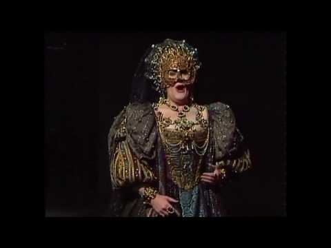 Joan Sutherland   Donizetti  Lucrezia Borgia Sydney 1977 - Prologue (мой русский перевод)