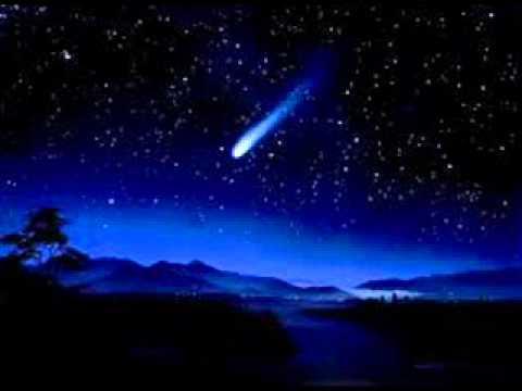 Θανάσης Παπακωνσταντίνου - Ο Κομήτης Χάλεϋ - YouTube