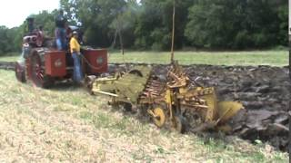 20hp Gaar Scott plowing at Rushville 2015