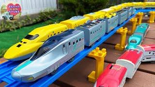プラレール 新幹線 アルファエックス☆いっぱいつなごう新幹線試験車両ALFA-X☆フル編成のドクターイエローと走行!日本の電車、しんかんせん【ウピさん&upisch】
