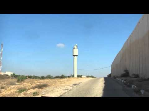 The wall between the Gaza Strip and Israel ... You have to see it (Taken from the Israeli side)