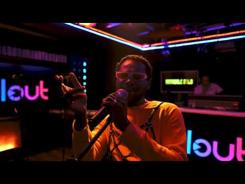 Смотреть клип Adekunle Gold - Young Love | Acoustic