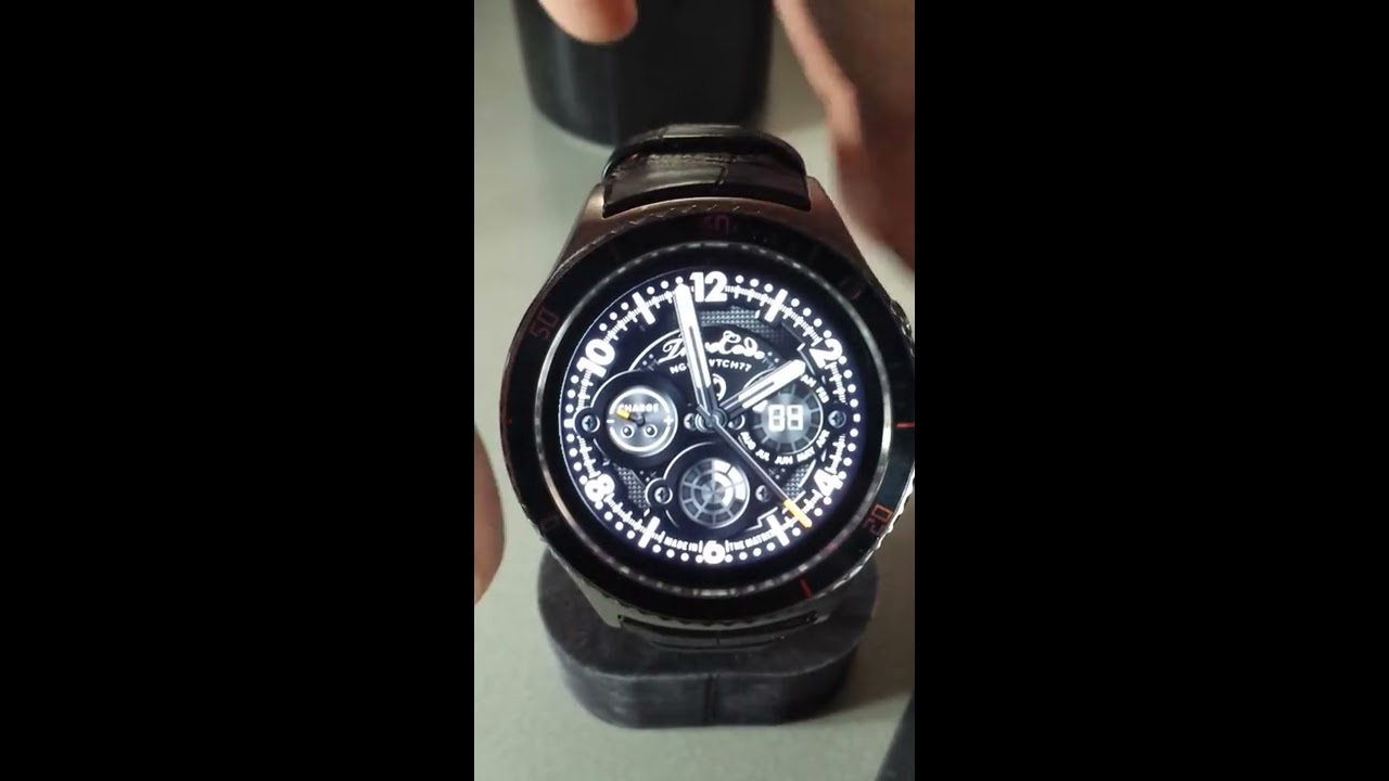 Custom Watchface on IQI I2 - TimeCode NGHT WTCH77 by Kenneth Tan