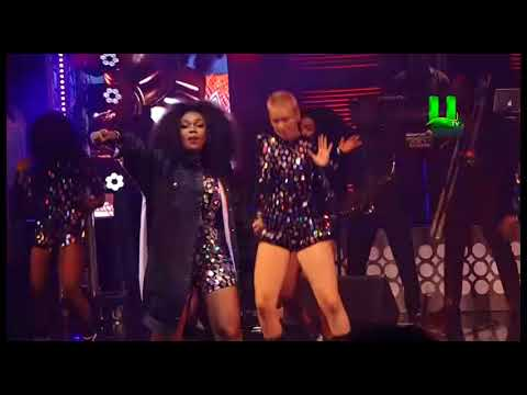 Patoranking surprises Becca on stage at her 10 years concert