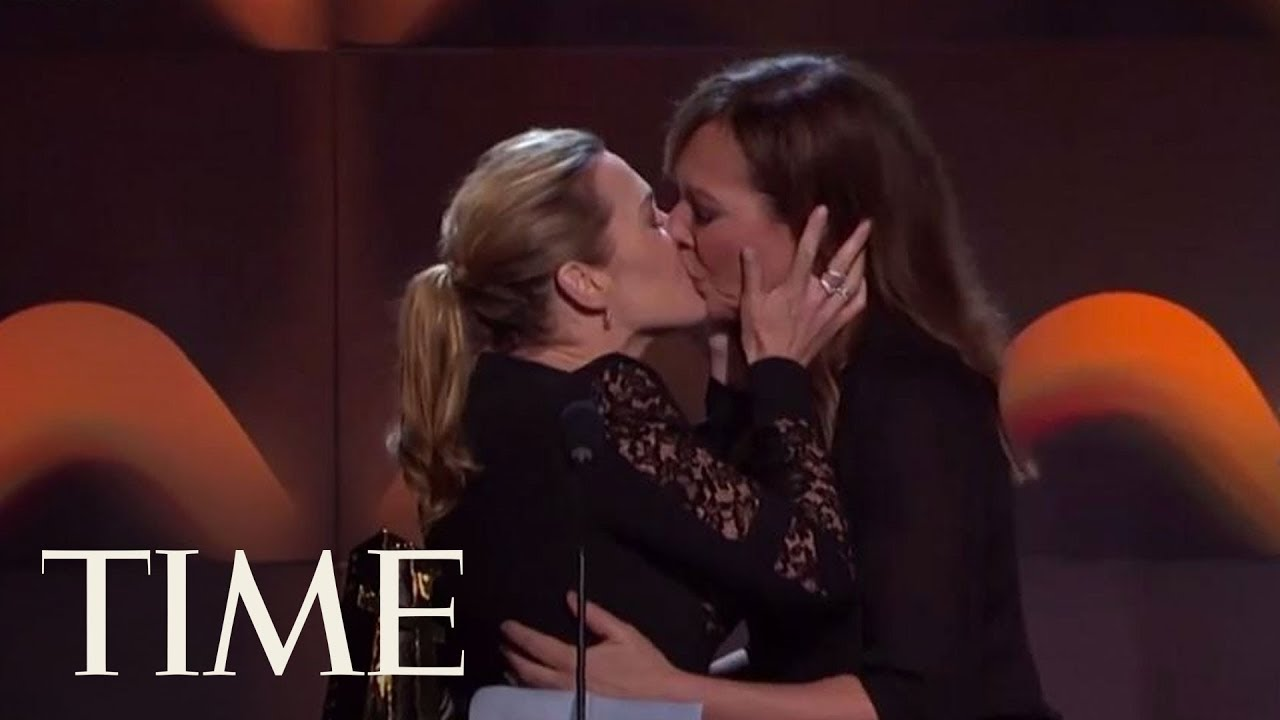 Kate Winslet And Allison Janney Shared An Impromptu Kiss Onstage At The Hollywood Film Awards -8164