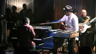 Glenn Fredly ft. Indra Lesmana - Tentang Kita @ Mostly Jazz 03/12/11 [HD]