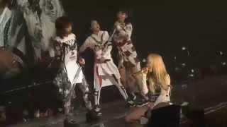 2NE1 - I DON'T CARE (Rock Ver.) LIVE PERFORMANCE
