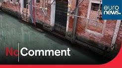 En Italie, l'eau des canaux de Venise se clarifie
