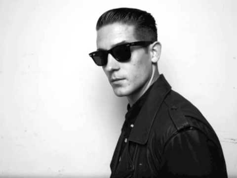Runaround Sue GEazy ft Greg Banks