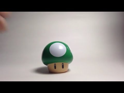 Reviewing McDonald's Super Mario, 1up mushroom toy!