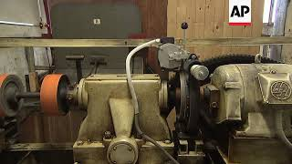 Video A look at the last remaining paternoster lifts download MP3, 3GP, MP4, WEBM, AVI, FLV Mei 2018