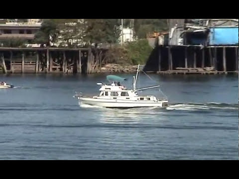 36' Grand Banks GB36 Trawler Yacht Cruise Video