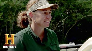 Swamp People: Stringbean Helps Kristi Out of a Jam (Season 9, Episode 8) | History