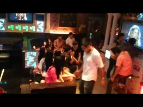 Maxwell + SMP Harlem party shake