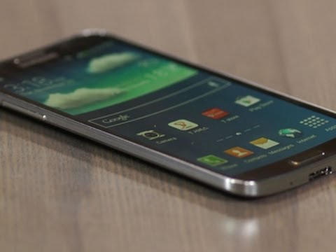 Samsung Galaxy Round throws a curve ball