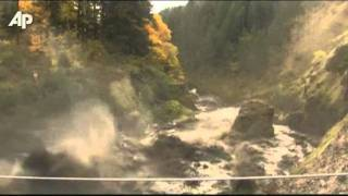 Raw Video: Wa. Dam Breached thumbnail
