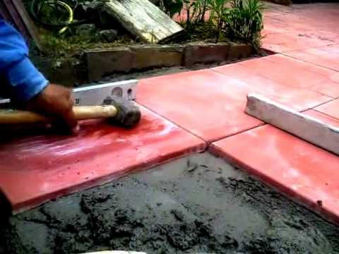 Como colocar baldosas en patio exterior youtube - Colocar baldosas suelo ...