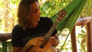 Як налаштувати укулеле (сопрано і концертна) /// Ukulele tuning