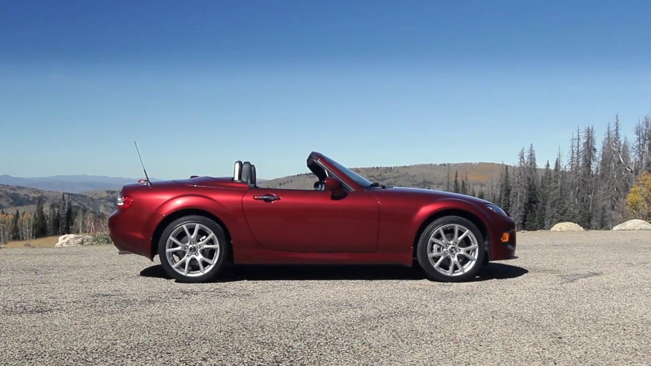 mazda miata mx5 3rd gen nc sights sounds beauty exhaust fly by youtube. Black Bedroom Furniture Sets. Home Design Ideas