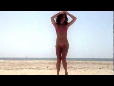 Русская девочка на пляже смотреть фото 405-673