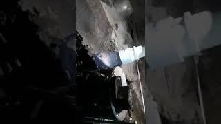 Sump pump quiet release valve