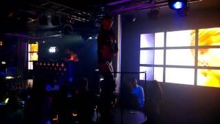 Nokia Lumia 920  Стрипденс  Громкая музыка