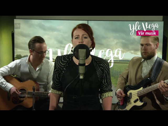 Charlotta Kerbs & The Napkins(trio) - Falling for you