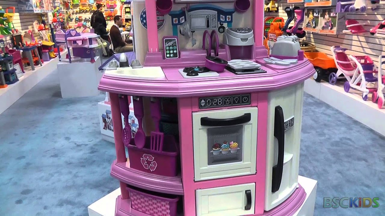 American Plastic Toys Kitchen