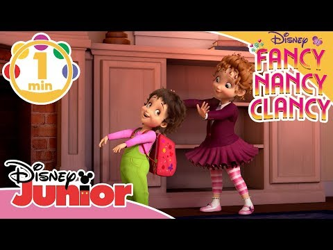 Fancy Nancy Clancy | Musik: Övernattningen 🎒- Disney Junior Sverige