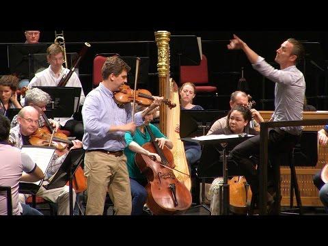 Violinist James Ehnes discusses the NAC Orchestra Canada 150 Tour   Entrevue avec James Ehnes