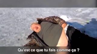 пьяный рыбак уснул на льду ^^)