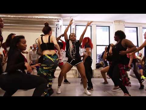 SEXY AFROBEATS DANCE ??? | DJ ARAFAT and CHEIF OBI - Ezinne Asinugo | chicago