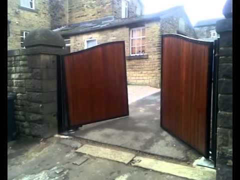 Electric Rising Hinge Swing Gates Wmv Youtube