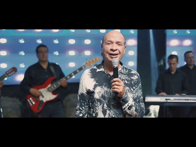 Basta Con Licor - Luis Alberto Posada (En Vivo)