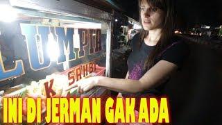 JAJAN MALAM DI INDONESIA EMANG PALING ENAK