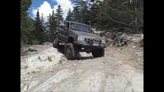 Jeep Grand Cherokee on the Blanca Peak 4x4 trail (Lake Como)