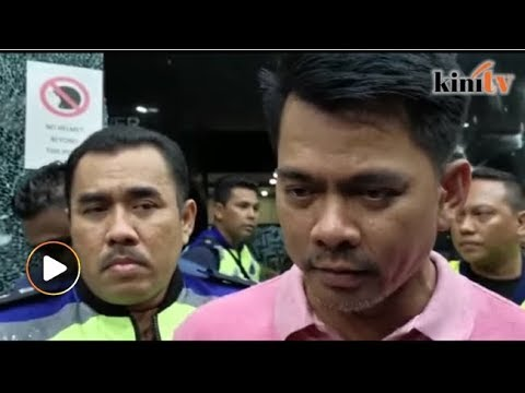 Polis cari kumpulan masuki kuil