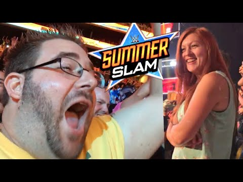 INSANE WWE SUMMERSLAM REACTIONS! HEEL WIFE FORCES CRINGE FAN SIGN! FAN MEET UP VLOG!