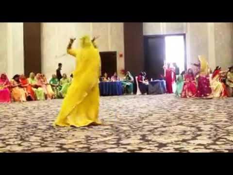 In lahariya ra noso rupaye rokta sa song vth Rajputana dance