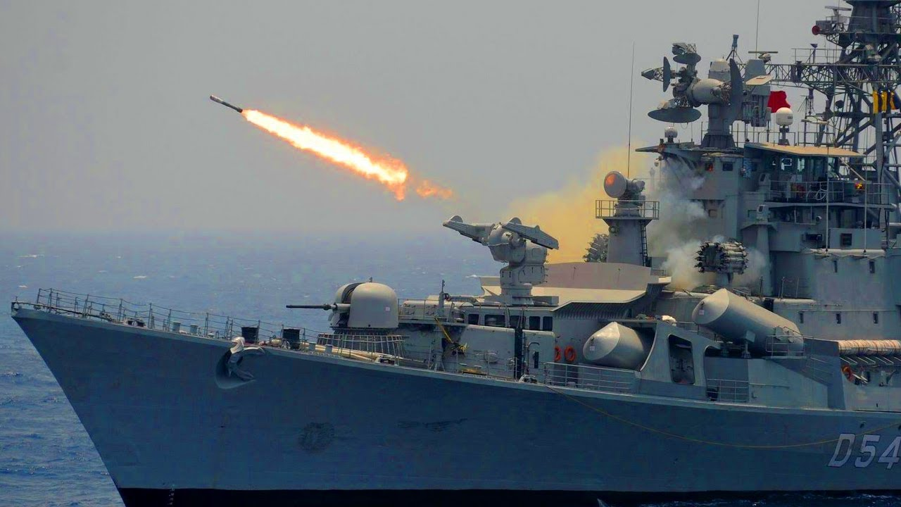 China Panic (Aug 28,2020) US Deploys 10 Jets To Help Indian Navy Defense Against China Warship in IO