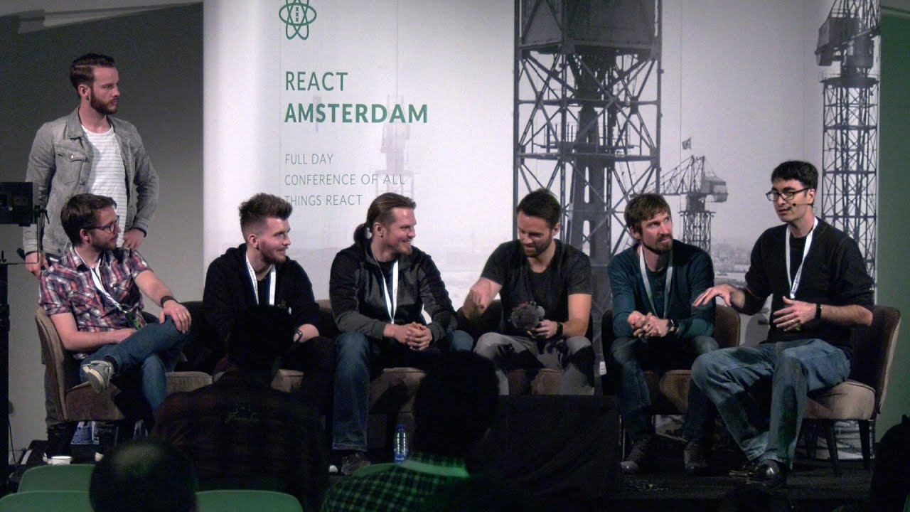 Panel discussion with Advice Lounge members