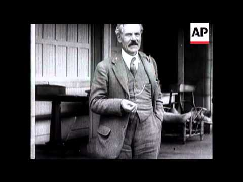 In Memoriam.  All Nation Mourns Ramsay MacDonald's Sudden Passing.