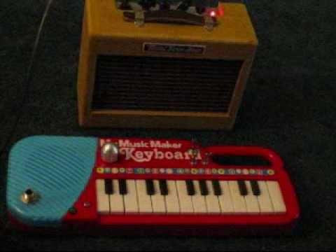 DIY Guitar Effects Pedal Demo - Circuit Bent My Music Keyboard